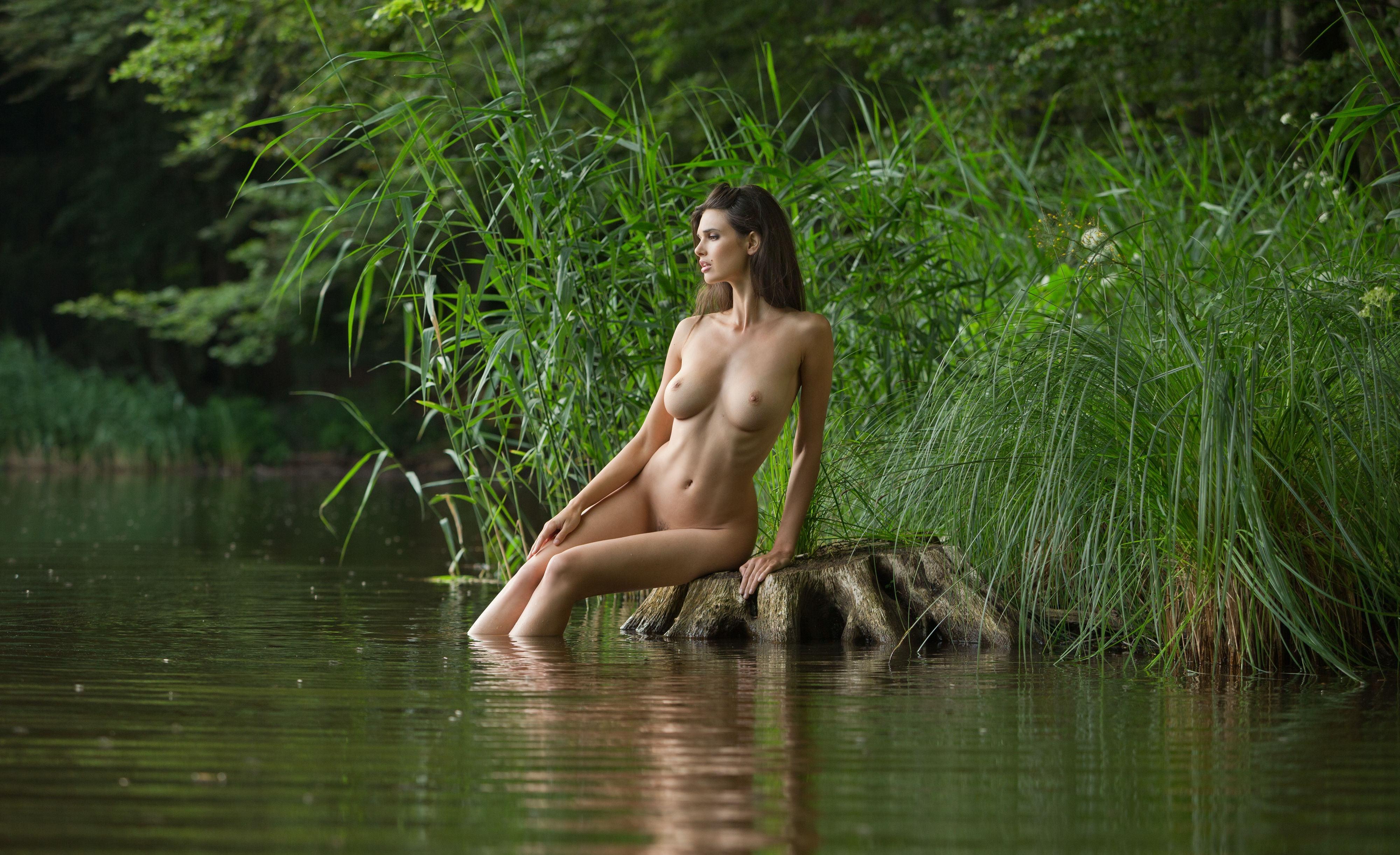 Девушка Озеро Обнаженная