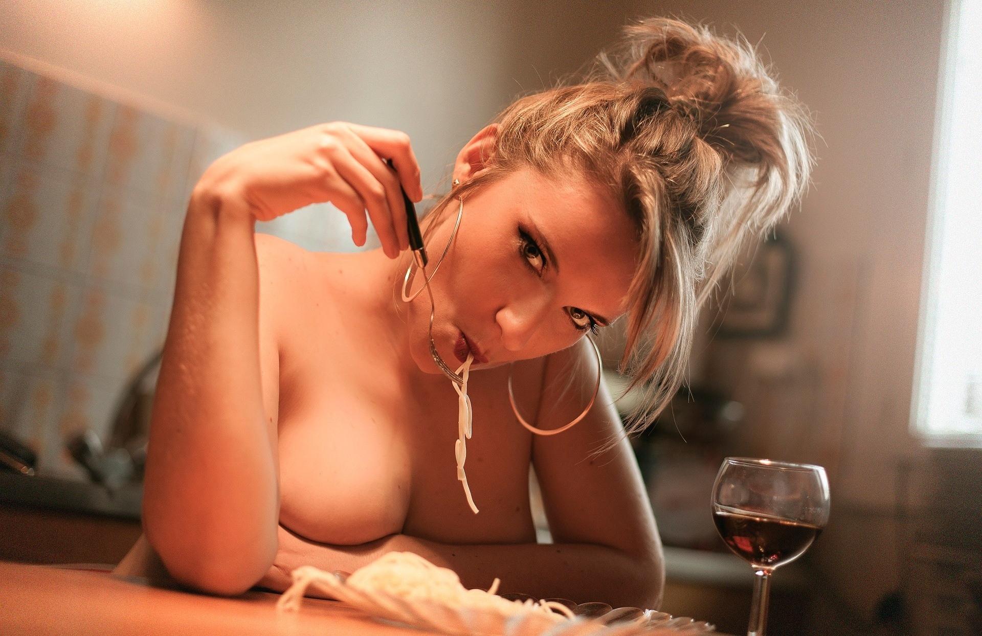 Бокал вина сиськи фото фото 624-983