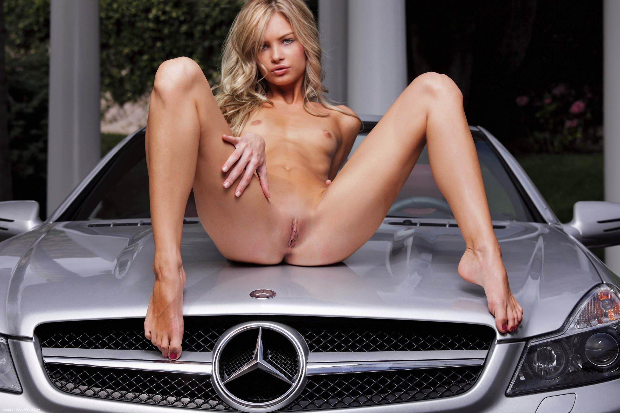 Фото голых девушек и автомобили 23 фотография