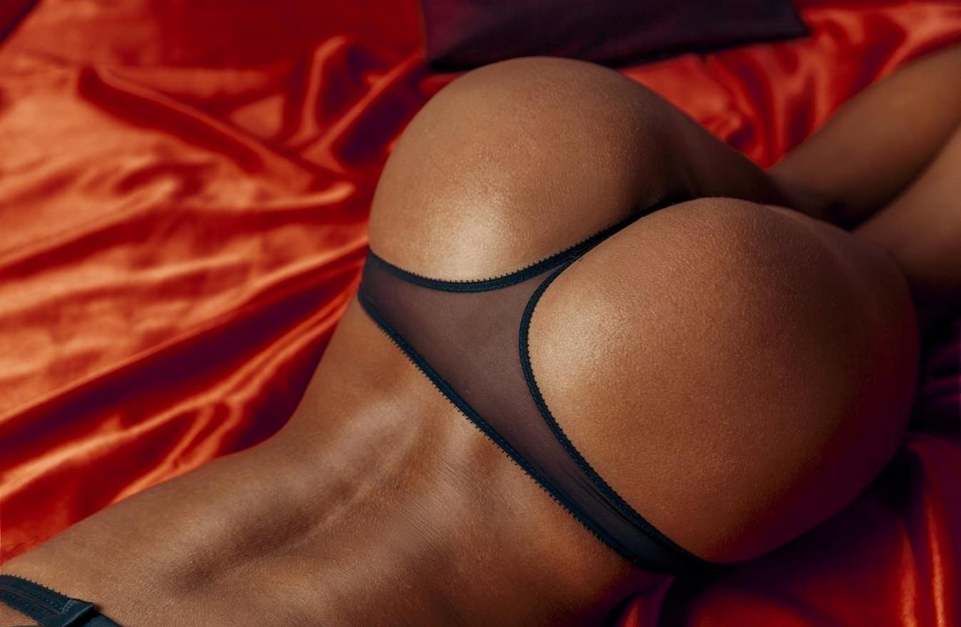 Очень красивые черные попки #1