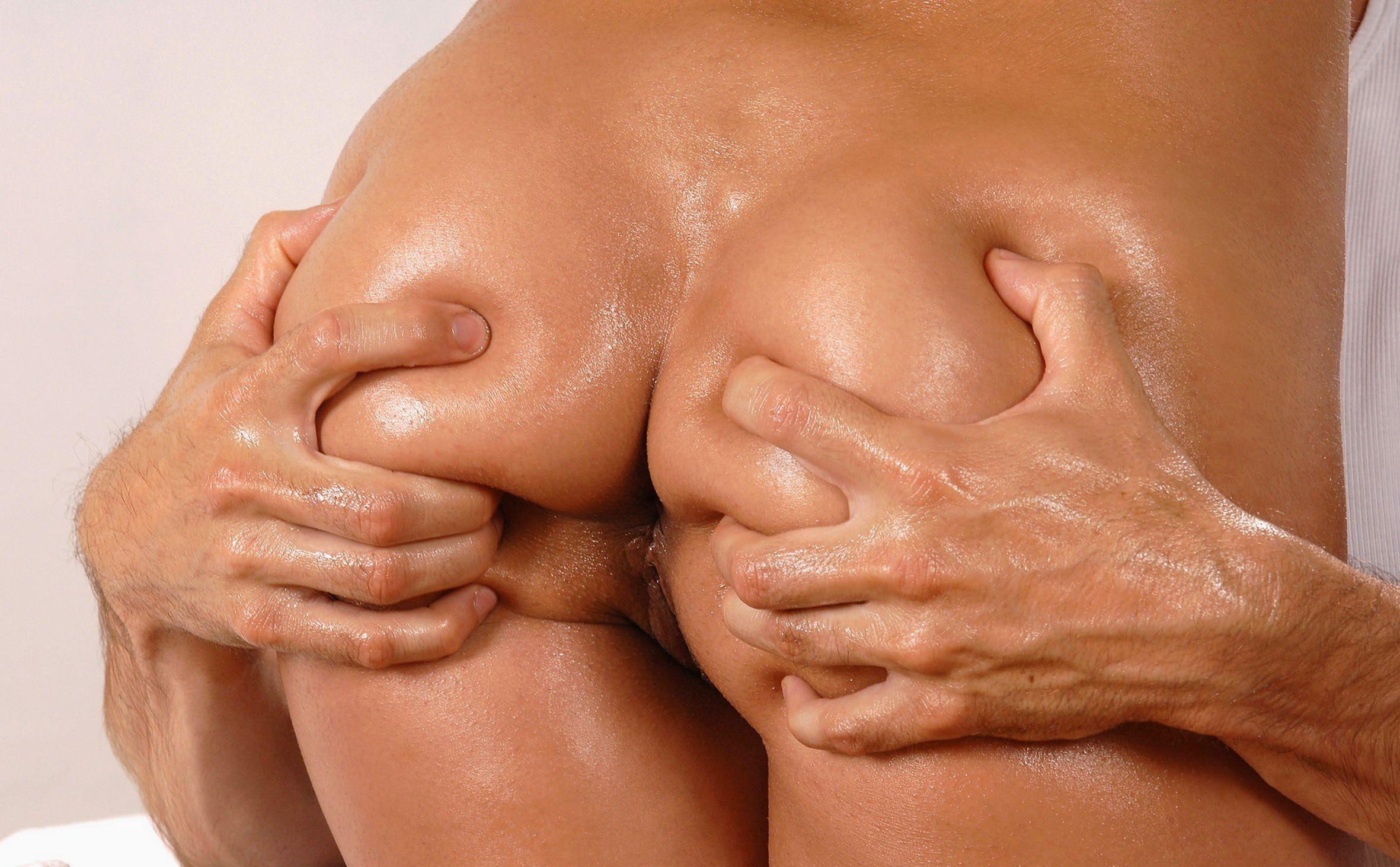Секс а в рукой в попу 19 фотография