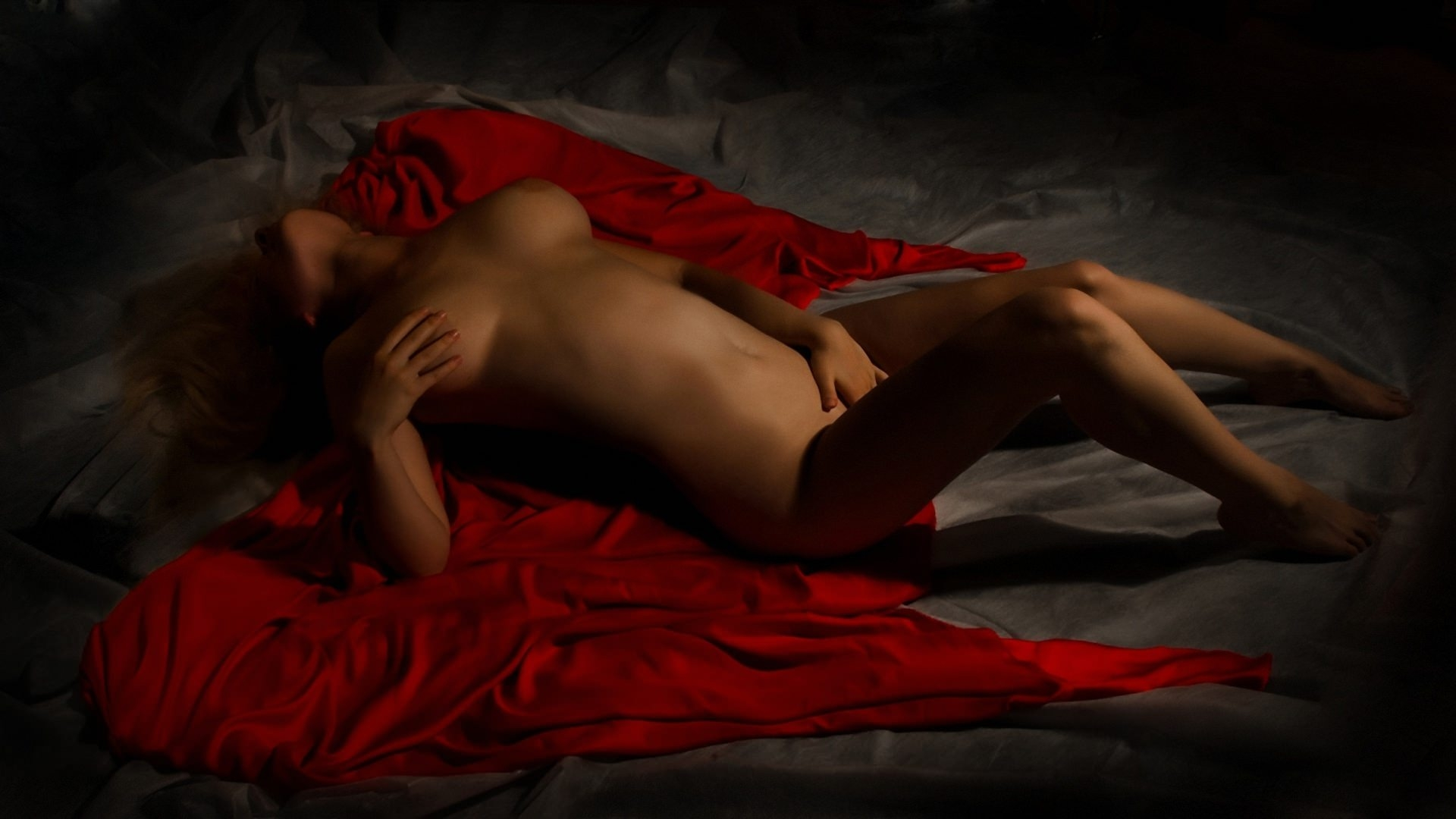 С девушками голыми обои интимные