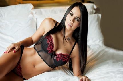 Порно чернокрасном белье фото 399-672