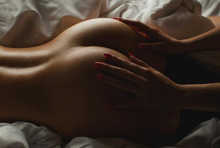 эротическое фото женскиен попки