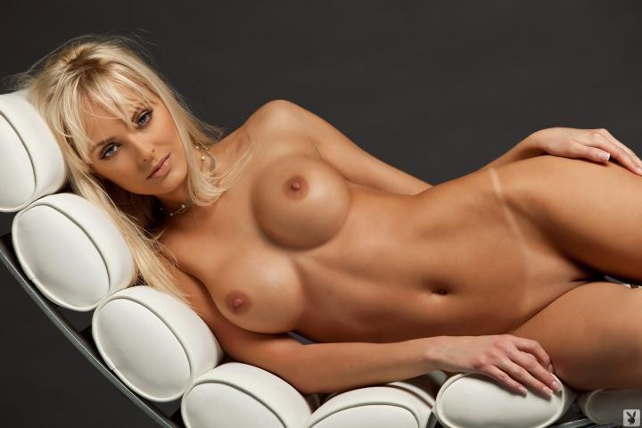 Фото порно грудей моделей