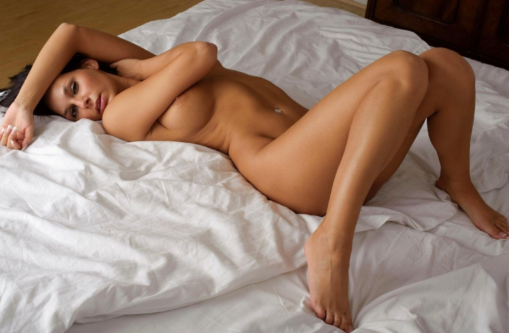 Фото голых ног женских