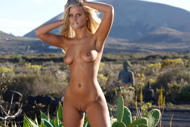 Boatbabesxxx ndash australian girl full blown naked sailing shenanigans