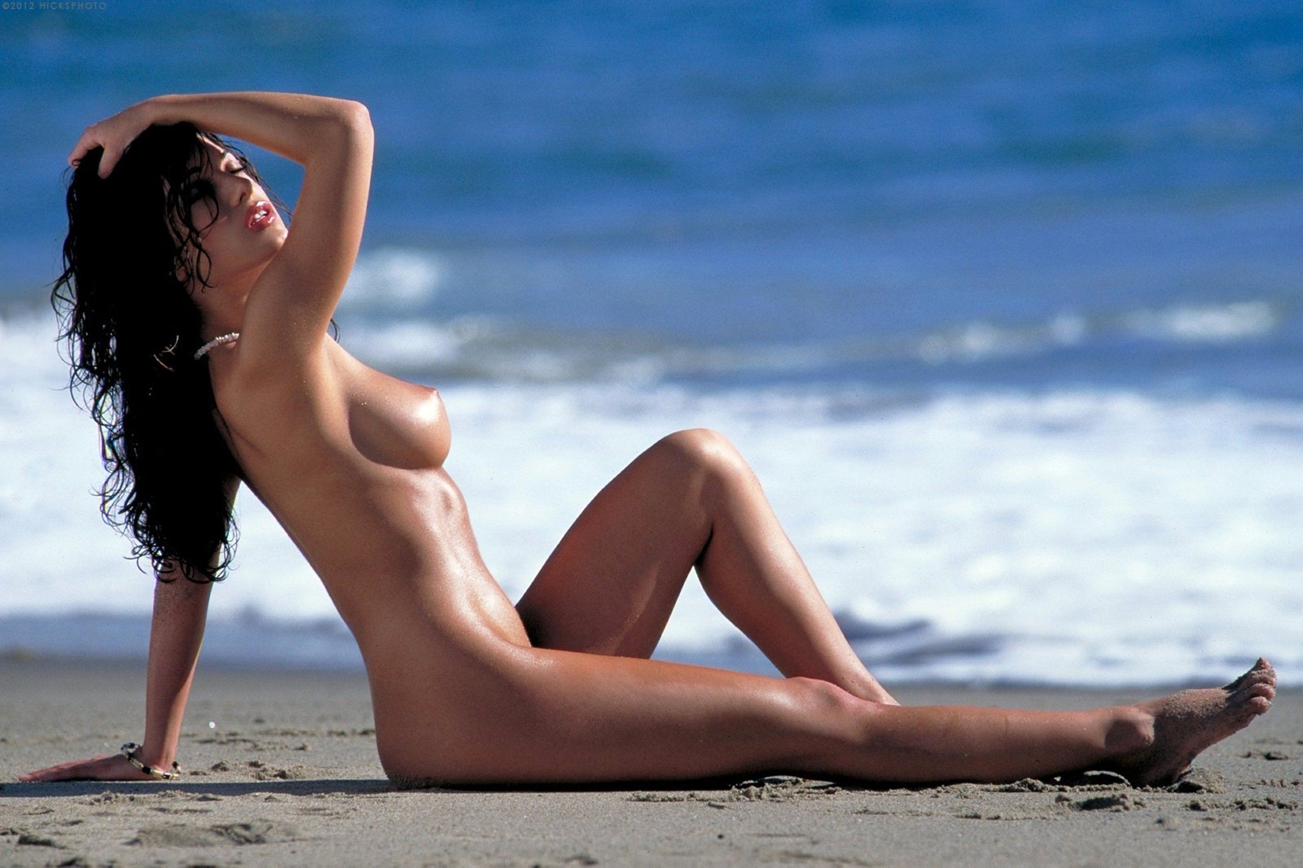 A Guide To Hawaii's Nude Beaches