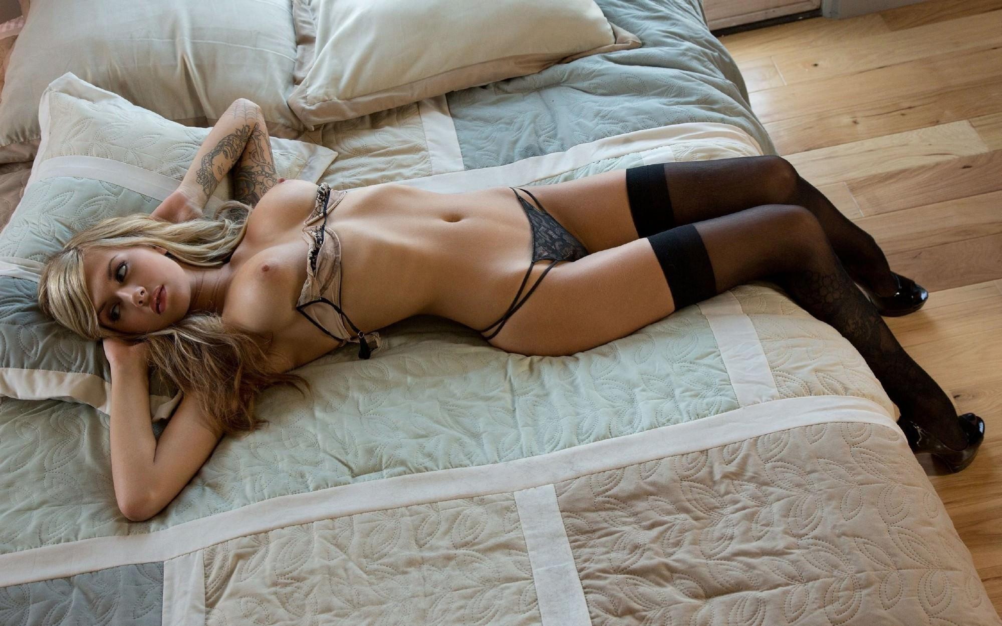 Lucy vixen bedroom lingerie curvy erotic sex pictures hd