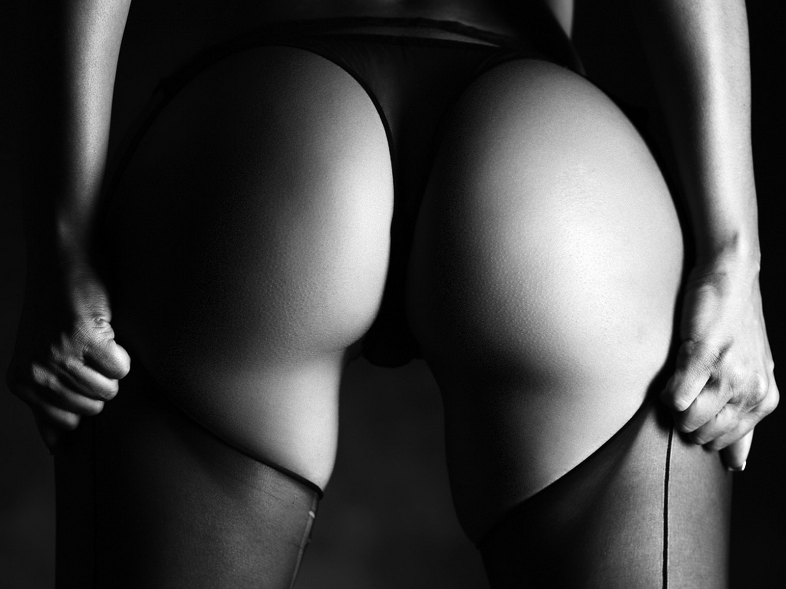 Фото Black and white, black panties, nice ass, girl pulls black stockings, скачать картинку бесплатно
