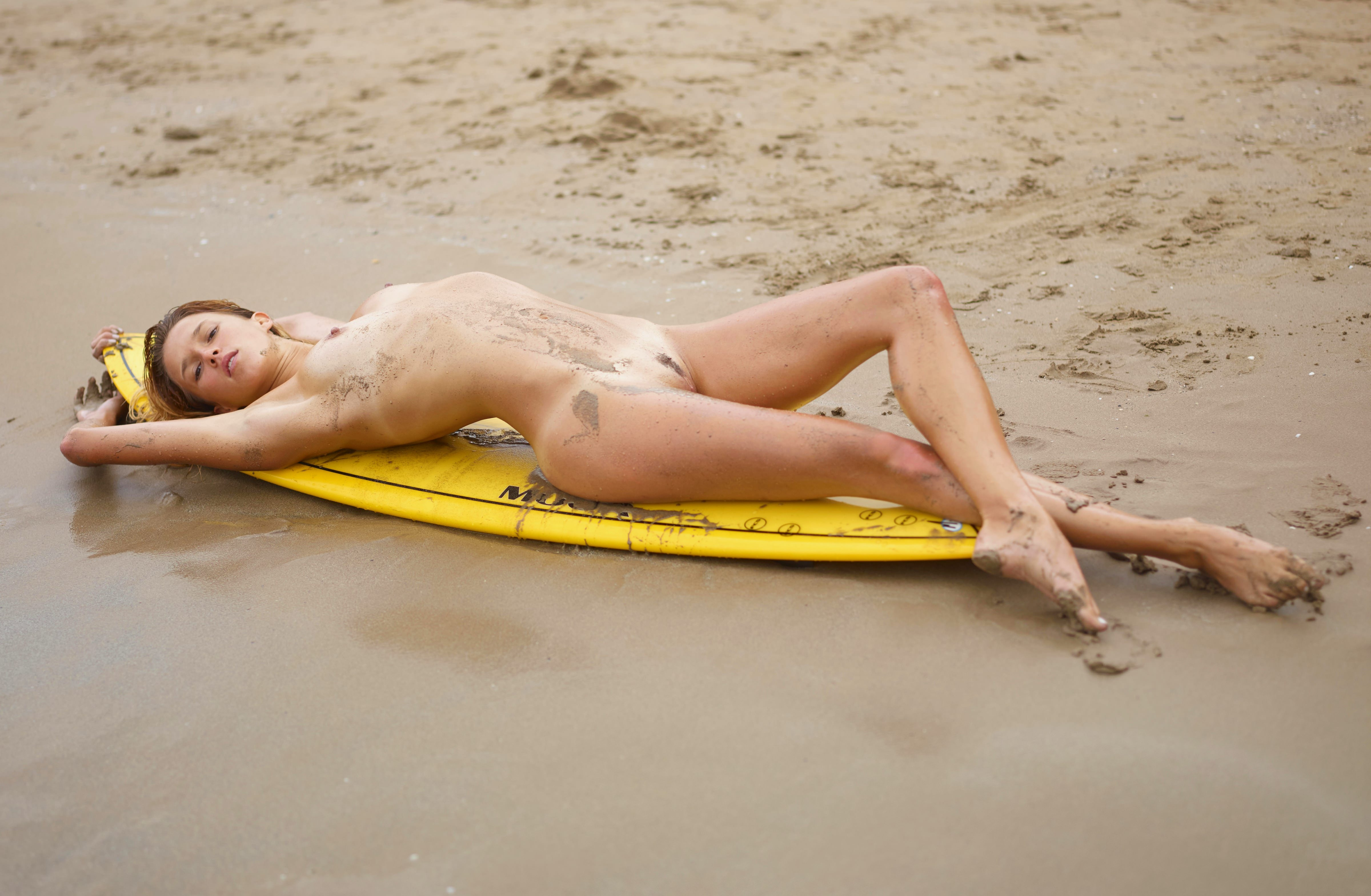 The best nude surfing photos of the web