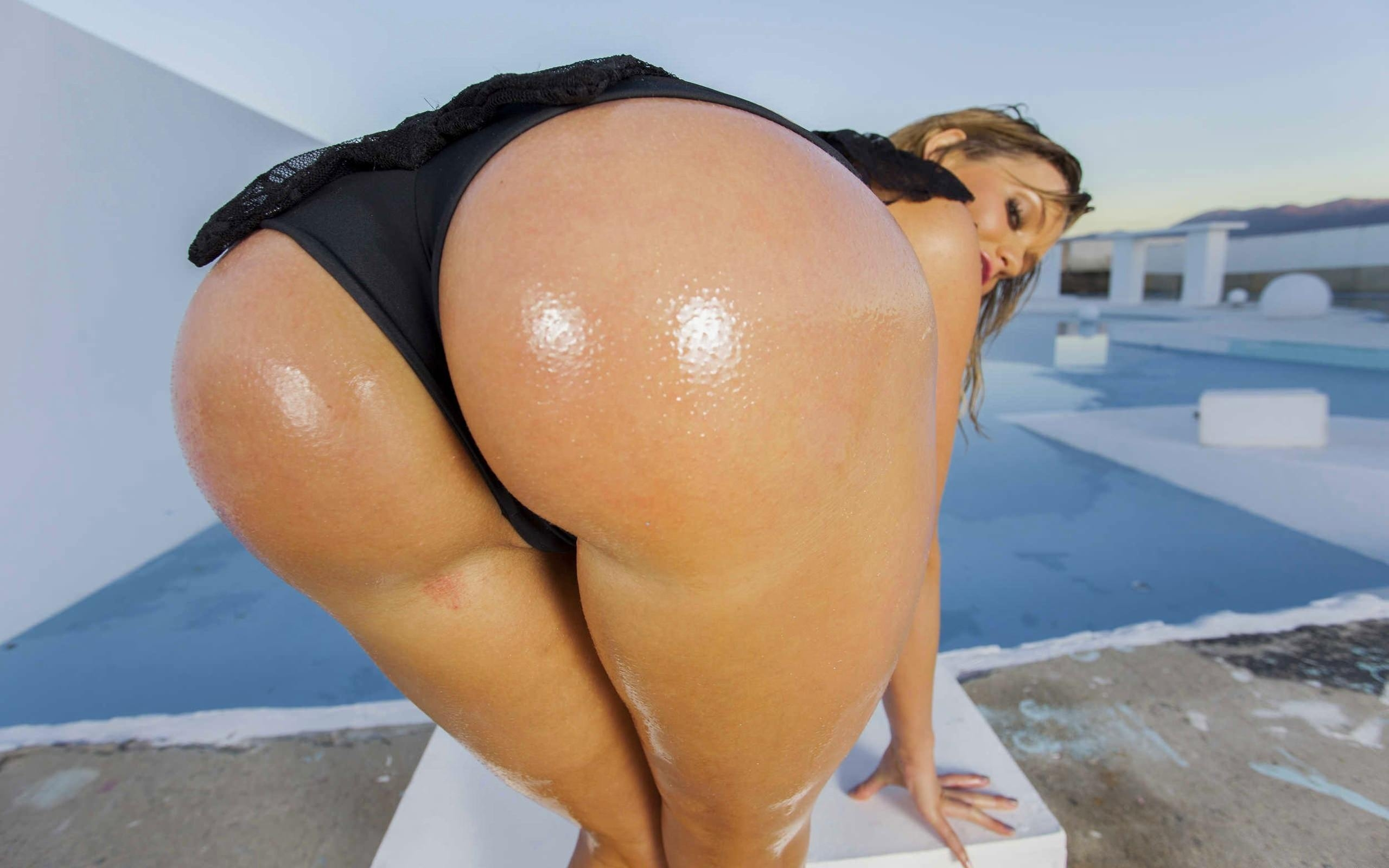 Big ass ebony doggystyle pov