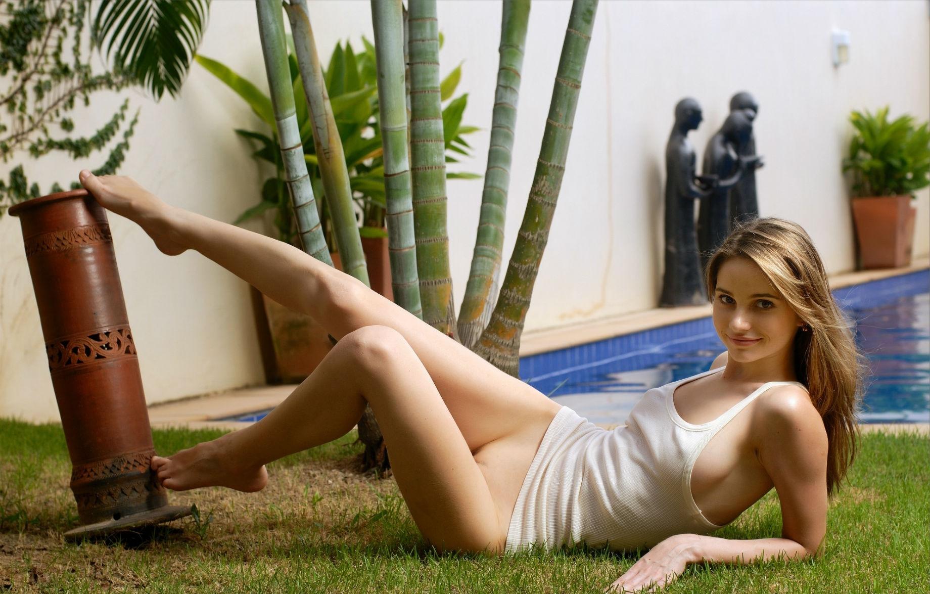порно с красивыми ножками в чулках