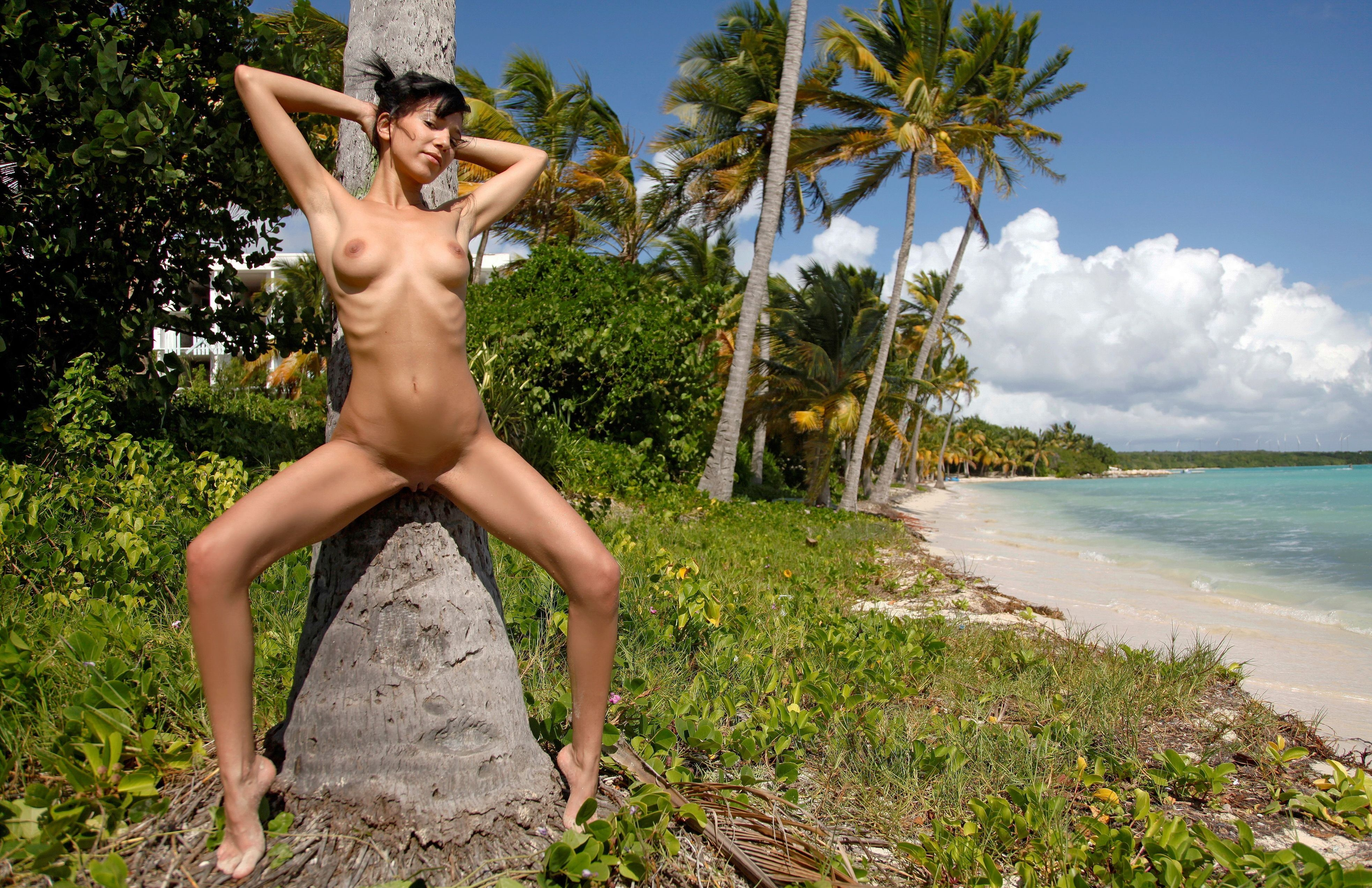 Xenia naked island girls