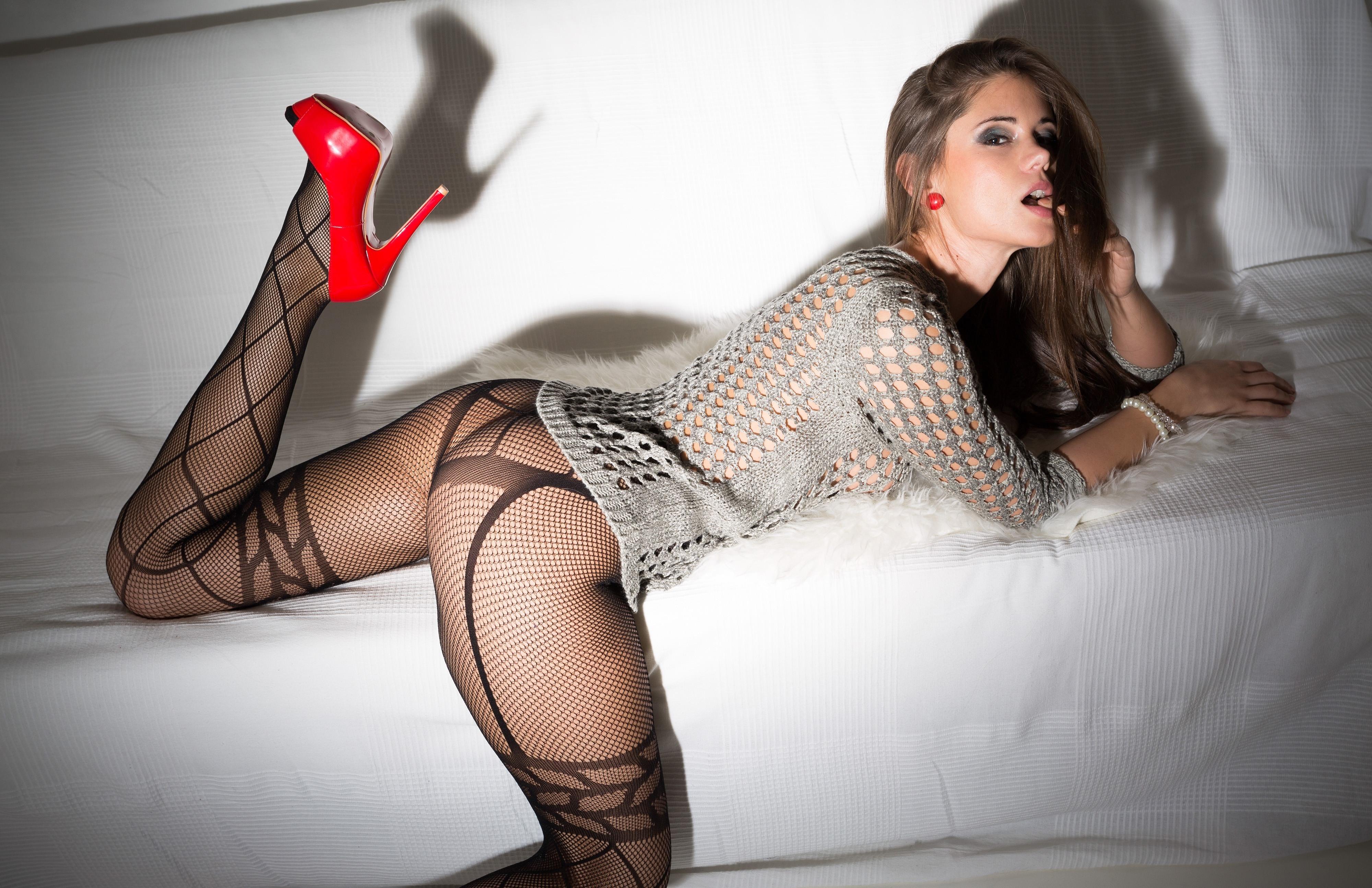 Sexy jessica alba in fishnet stockings