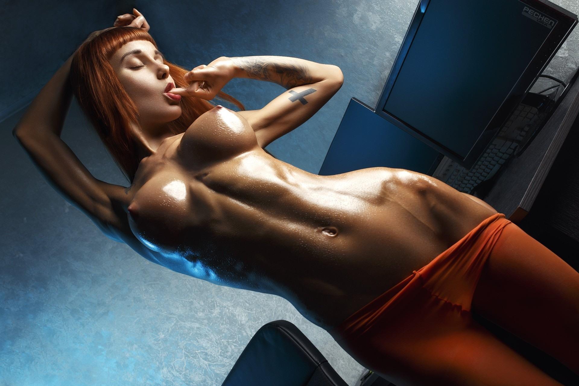 Naked Female Fitness Models