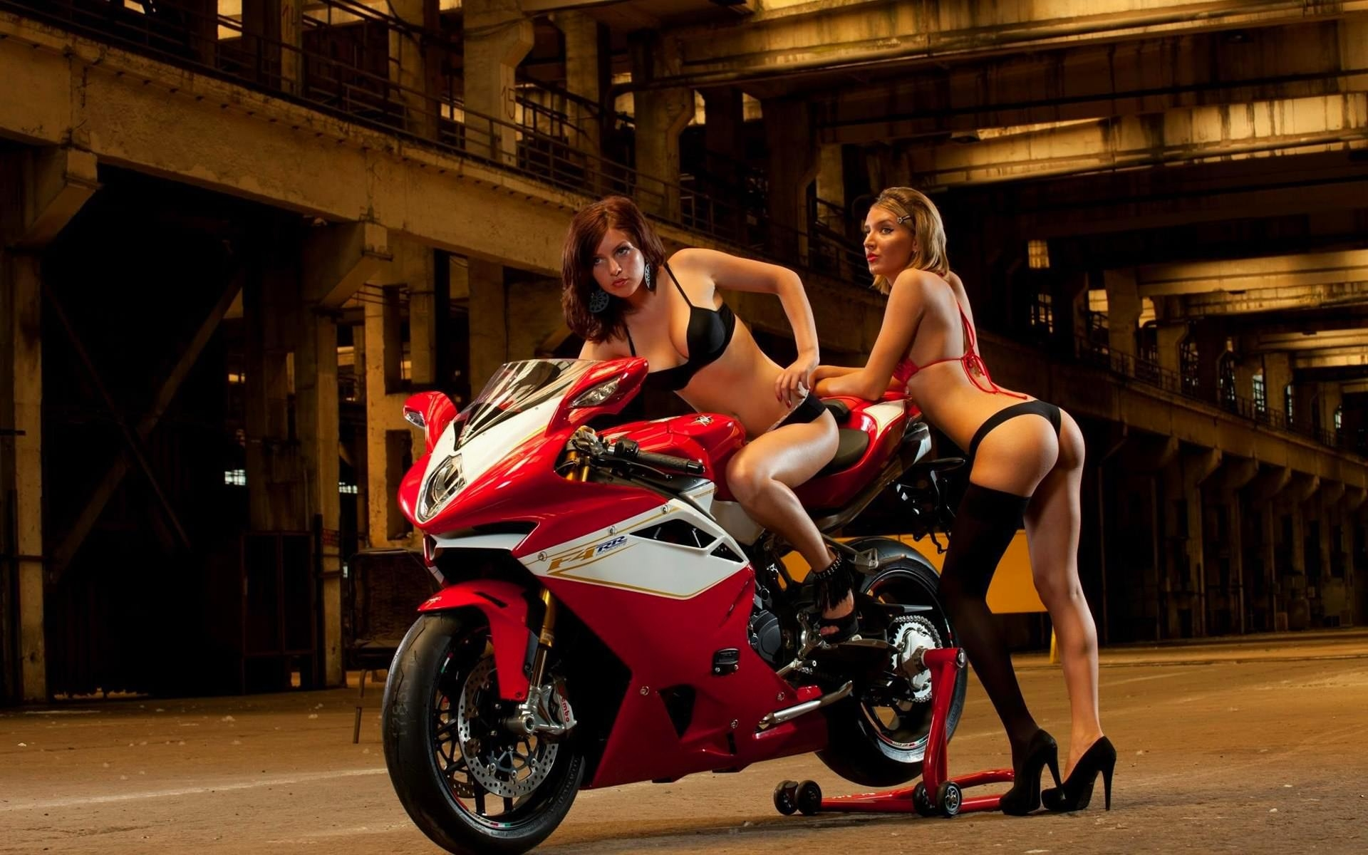 Naked Bike Stock Photos And Images