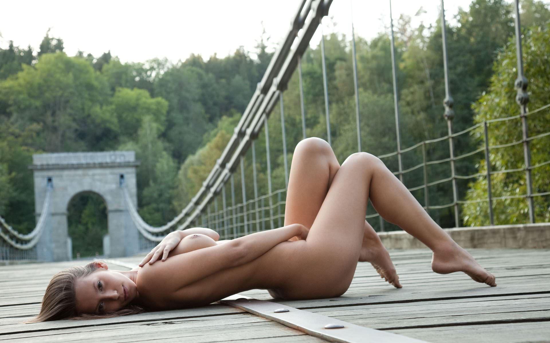 Unknown naked girl walk in rawalpindi new photo