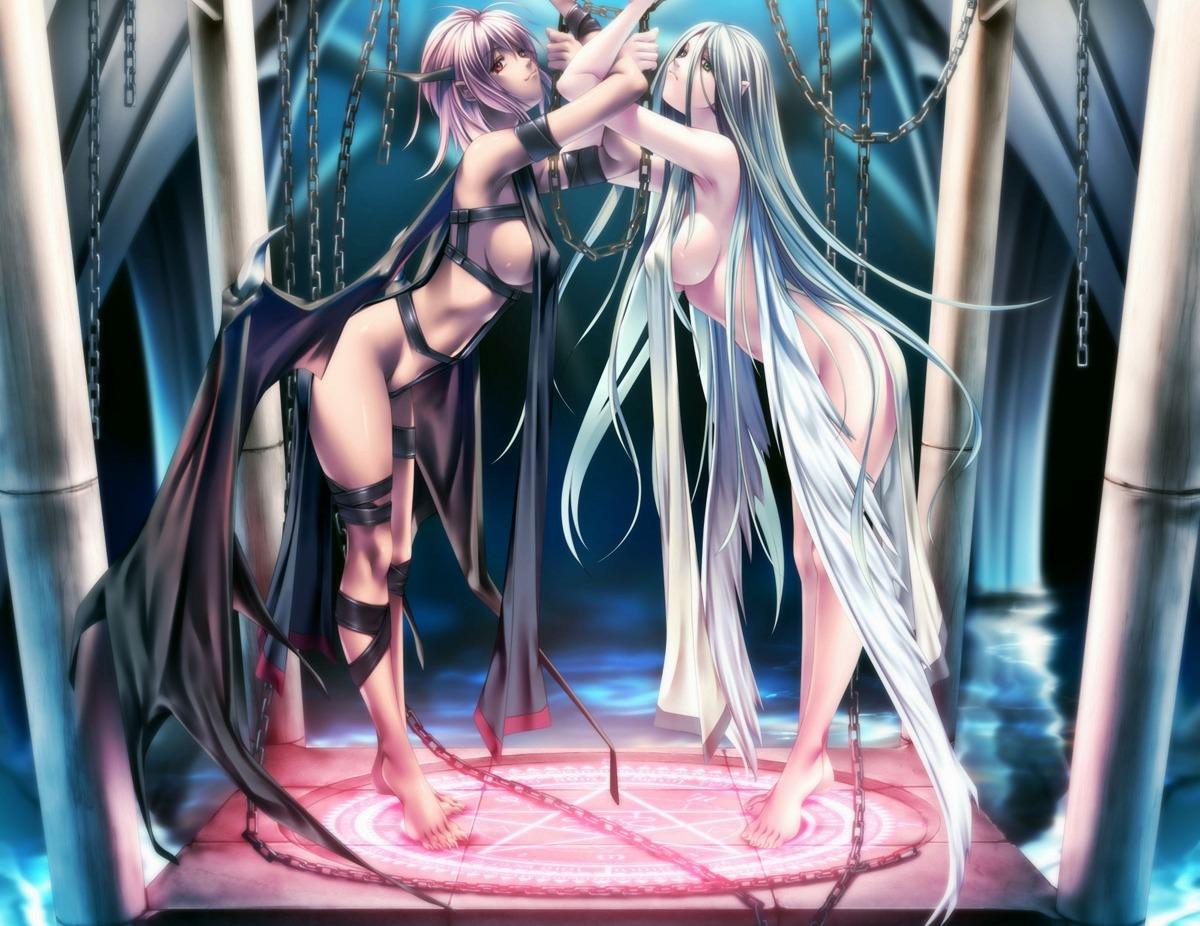 Фото Сексуальные девушки в цепях, длинные волосы, крылья, темница, скачать картинку бесплатно