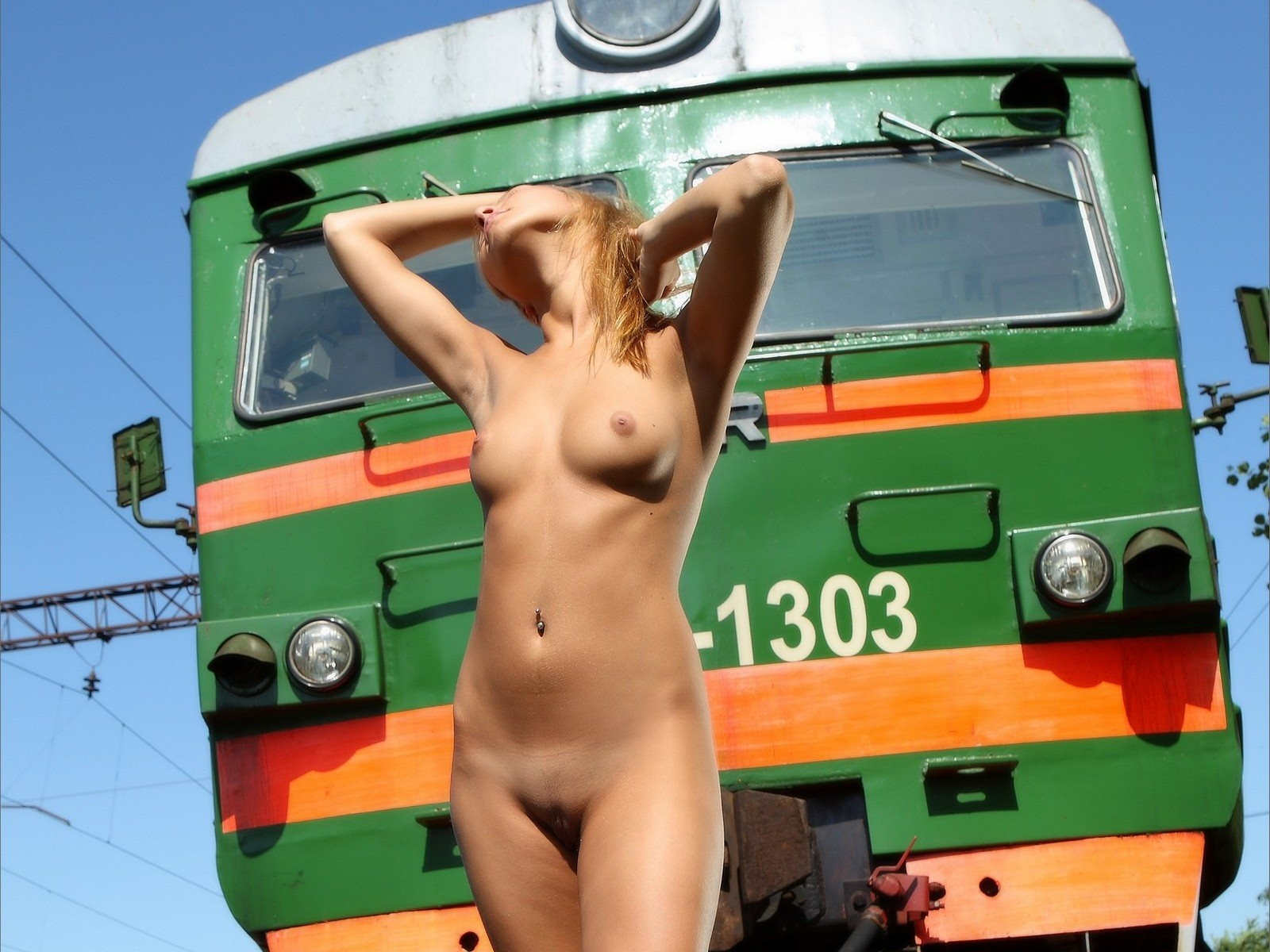 Hot Naked Women Have Fun In Train