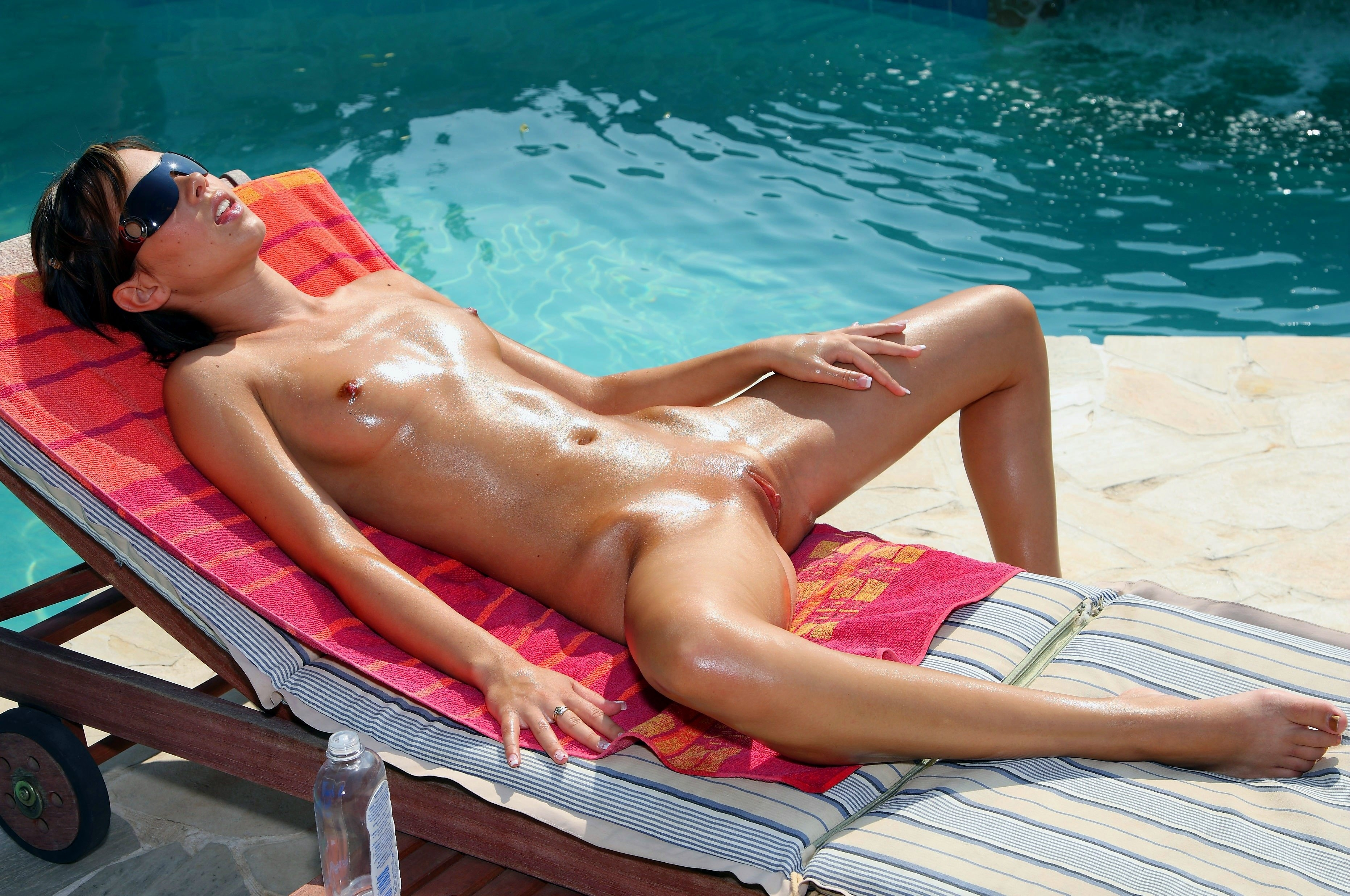 Sunbathing Porn Pics, Solarium Sex Images, Sun Bathing Porno