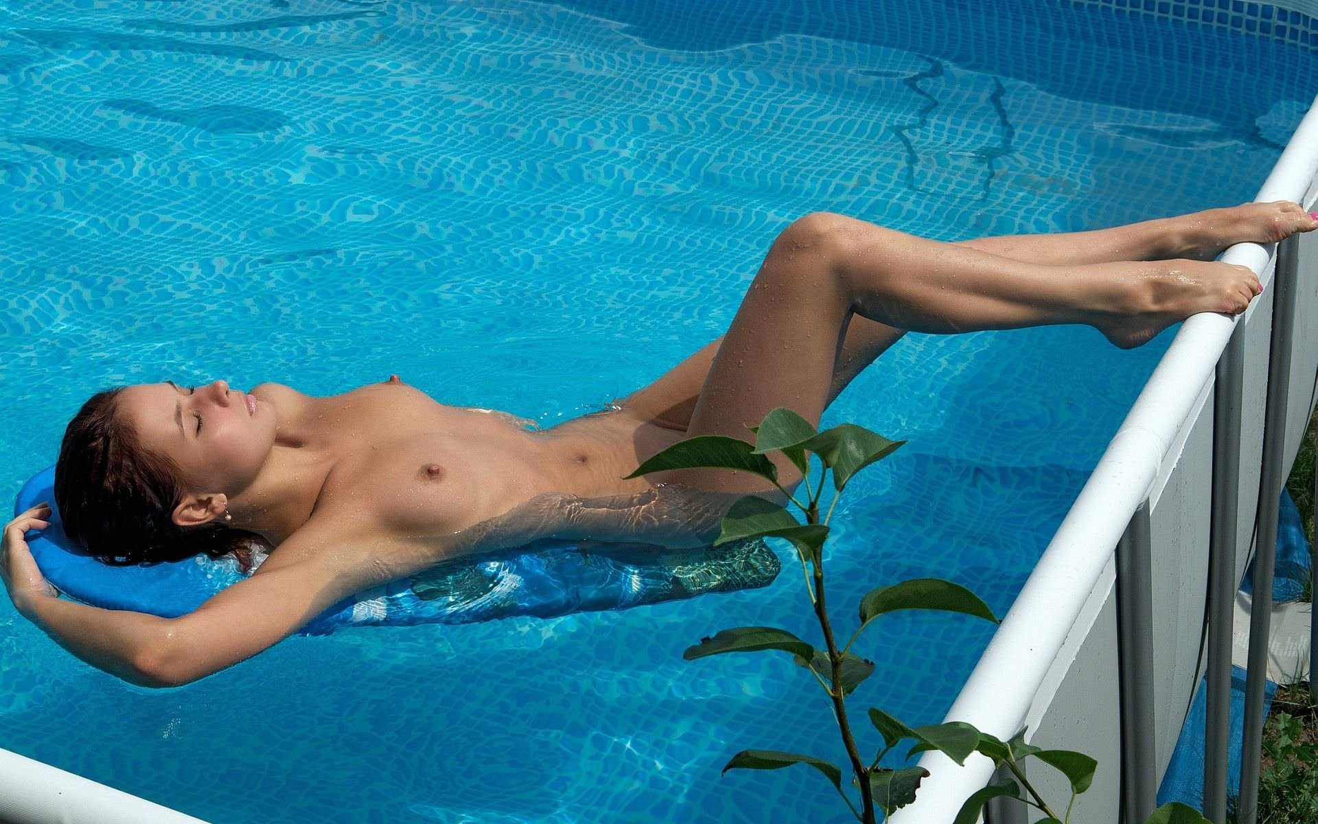 Pool swimming pool jacuzzi sauna exquisite slave