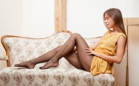 Секс с девушкой в желтом платье